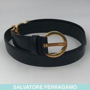Auth Salvatore Ferragamo dark blue leather belt
